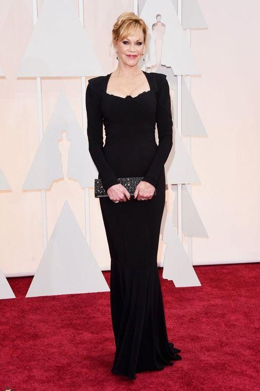 Elegante.  Melanie Griffith