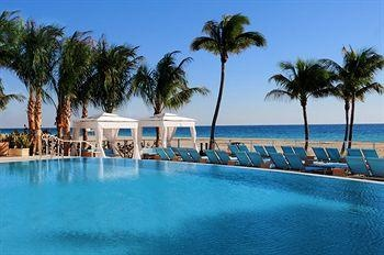 The city is famous for resorts such as Playa Dorada and Costa Dorada, located east of San Felipe de Puerto Plata. There are a total of 100,000 hotel beds in the city.