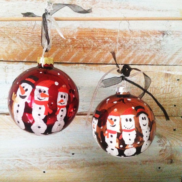Bemalte Weihnachtsbaumkugeln