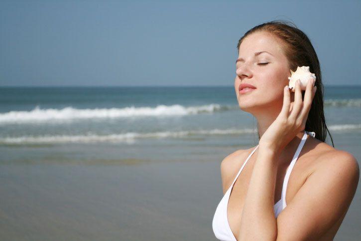 Un adulte sur quatre souffre de bourdonnements ou de sifflements d'oreilles. La thérapie respiratoire ne va pas les guérir, mais elle contribue à réduire le bruit et à ne plus le ressentir comme un obstacle. Les conseils de Maria Holl, psychothér...