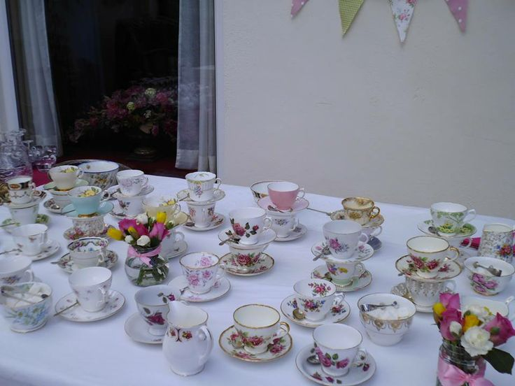 Tea cups ready & waiting