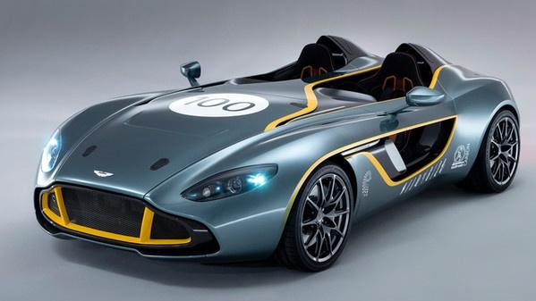 Per festeggiare i 100 anni di Aston Martin una supercar, ve la presento, si chiama Aston Martin CC100.. che ne pensate, vi ricorda la Batmobile?