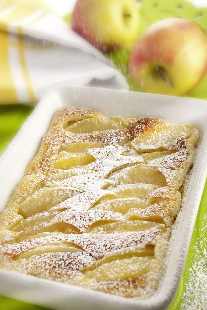 Cuisson à l'OMNICUISEUR Vitalité Clafoutis aux pommes Farine : 50 g Sucre en poudre : 25 g Oeuf : 1 Crème liquide (vache ou soja) : 10 cl Pomme : 1 Kirsch ou rhum : facultatif Eau au fond de la cocotte : 2 c. à s.