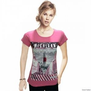Showcase a youthful look. Look funky and stylish with this pink T-shirt from Droom Fashion. This comfortable piece would look best teamed with skinny denims and colourful flats. Buy this cool graphic T-shirt.