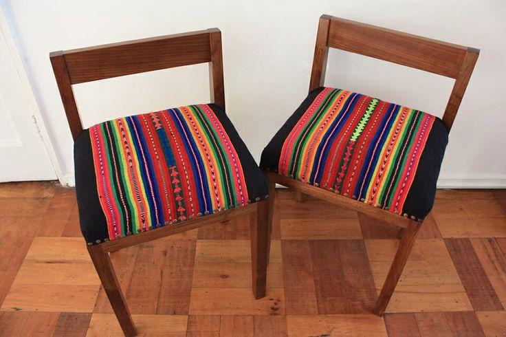 Mini sitiales hechos en madera nativa -coihue- y tapizado con aguayos andinos ancestrales.  Diseño by Atikux