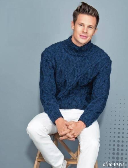 Мужской вязаный свитер с косами