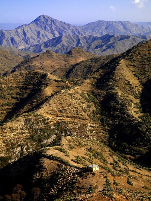 Mountains along the road between Asmara