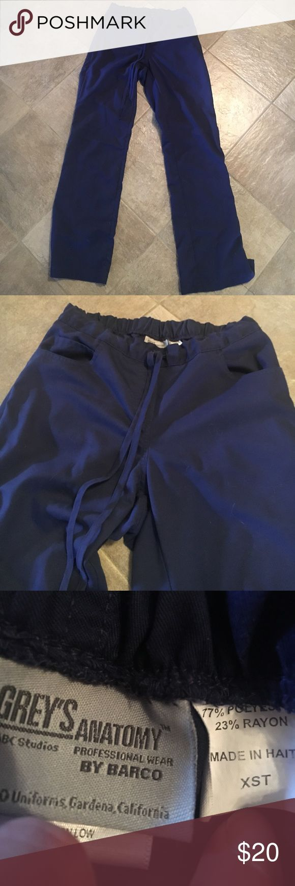 💗24 he SALE💗Greys anatomy navy scrubpant Xs tall Gently pre loved. Great condition over all with very minor to no pilling. Size xs TALL. greys anatomy Pants