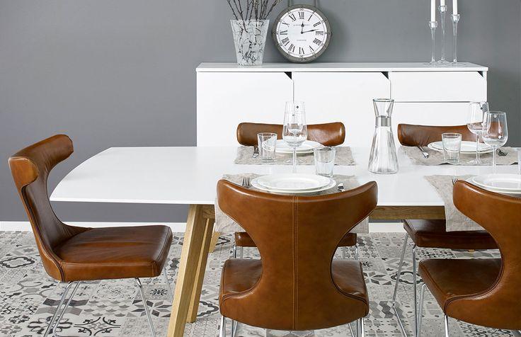 Moon är en snygg och modern stol. Topp av läder ihopsatt med snygga ben av krom skapar en perfekt kombination!
