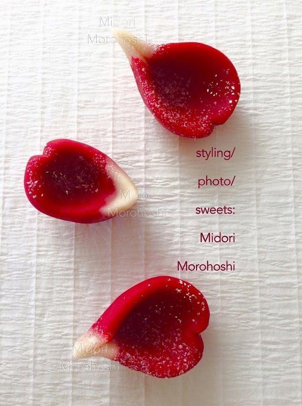薔薇の練り切り♡|モード系*和菓子 + 器 のテーブルスタイリング