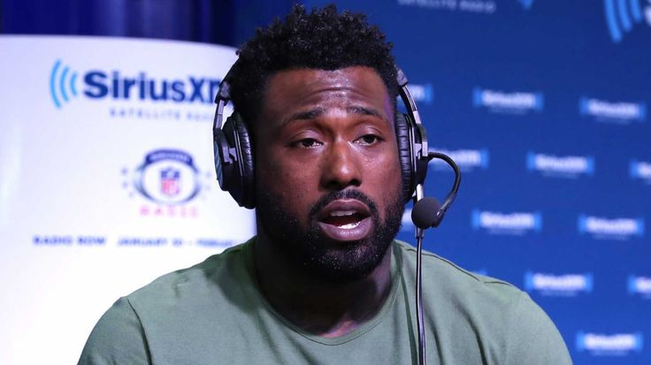 """The NFL's Tennessee Titans tight-end Delanie Walker has a one-word response for NFL fans who want to boycott the league, furious at the national anthem protests conducted by NFL players: """"Bye."""" The Titans skipped the national anthem altogether before their game with the Seattle Seahawks last Sunday; the Titans and the Seahawks stayed in the locker room at Nissan Stadium. According to The Tennessean, Walker stated: First off, I'm going to say this: We're not disrespecting the military, the…"""