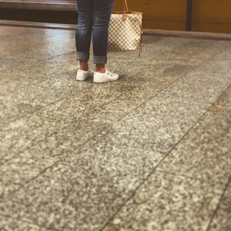 Waiting for the U-Bahn...  #Stuttgart #Stuggi #0711 #UBahn #tube #train #transport #drivinghome #workday #thisislife #handbag #shoes #MK #MichaelKors
