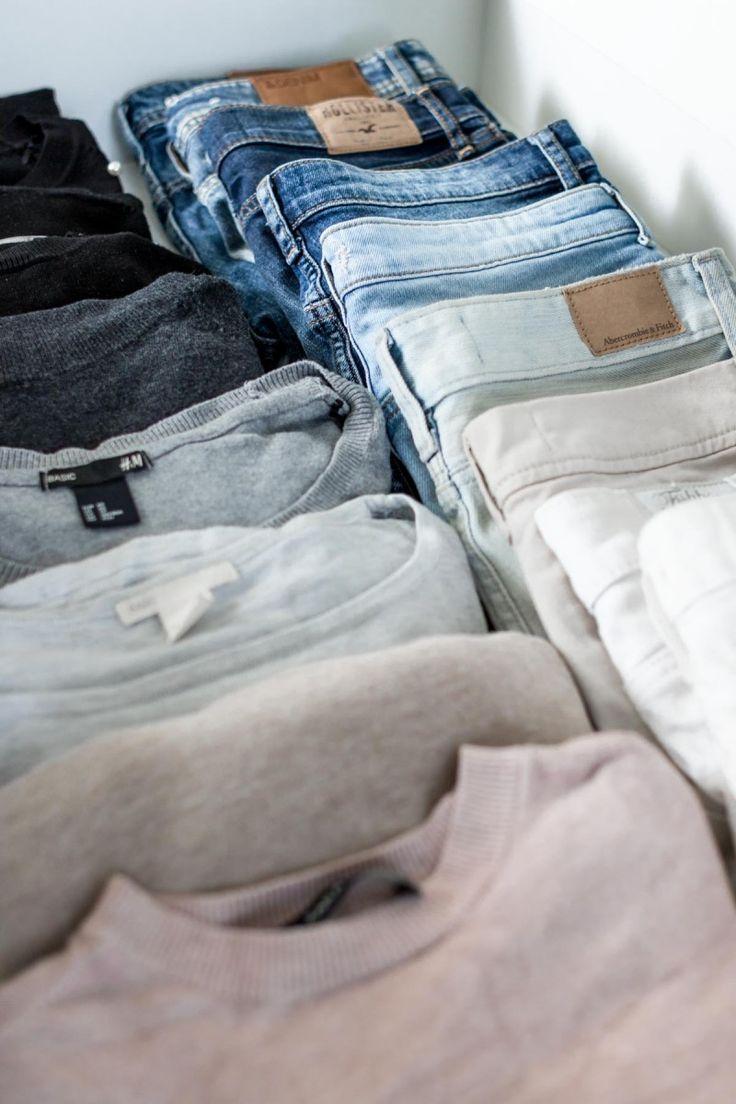 Schrankorganisation: 5 Tipps für mehr Ordnung im offenen Kleiderschrank