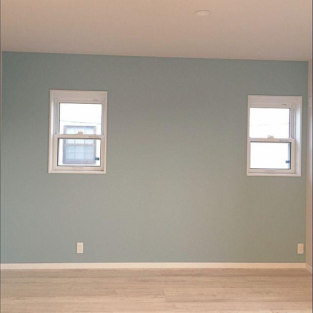 女性で、の壁紙/アクセントクロス/寝室/ベッド周りについてのインテリア実例を紹介。(この写真は 2016-03-15 23:35:30 に共有されました)
