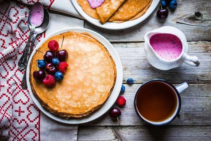 Вариации на тему: «блины на кефире» Блинчики на завтрак – классика жанра. Тонкие, с дырочками, кружевные, приготовленные на воде, молоке, кефире – они обладают изумительным вкусом и передают атмосферу...
