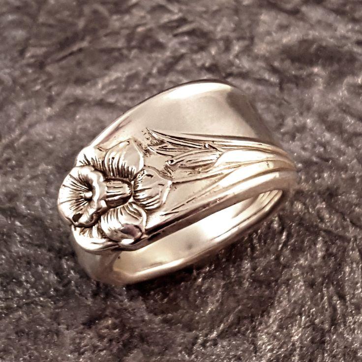 Beautiful Daffodil Silverplate Spoon Ring