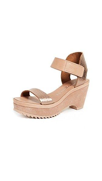 PEDRO GARCIA FRANSES WEDGE SANDALS. #pedrogarcia #shoes #