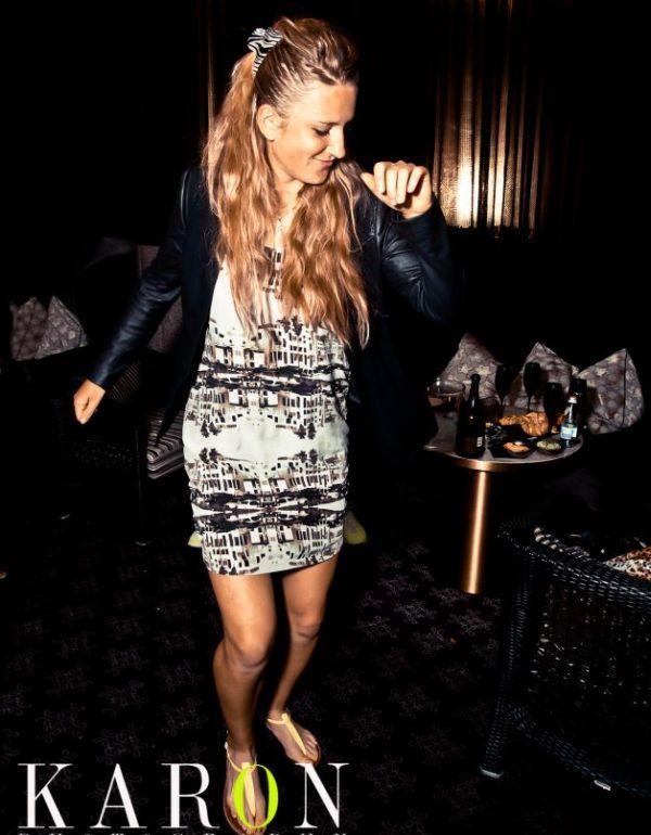 Victoria Azarenka in club la Melbourne