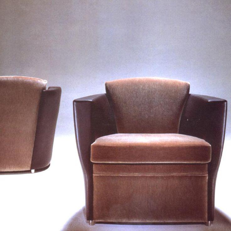 Brueton : Embrace Lounge Chair