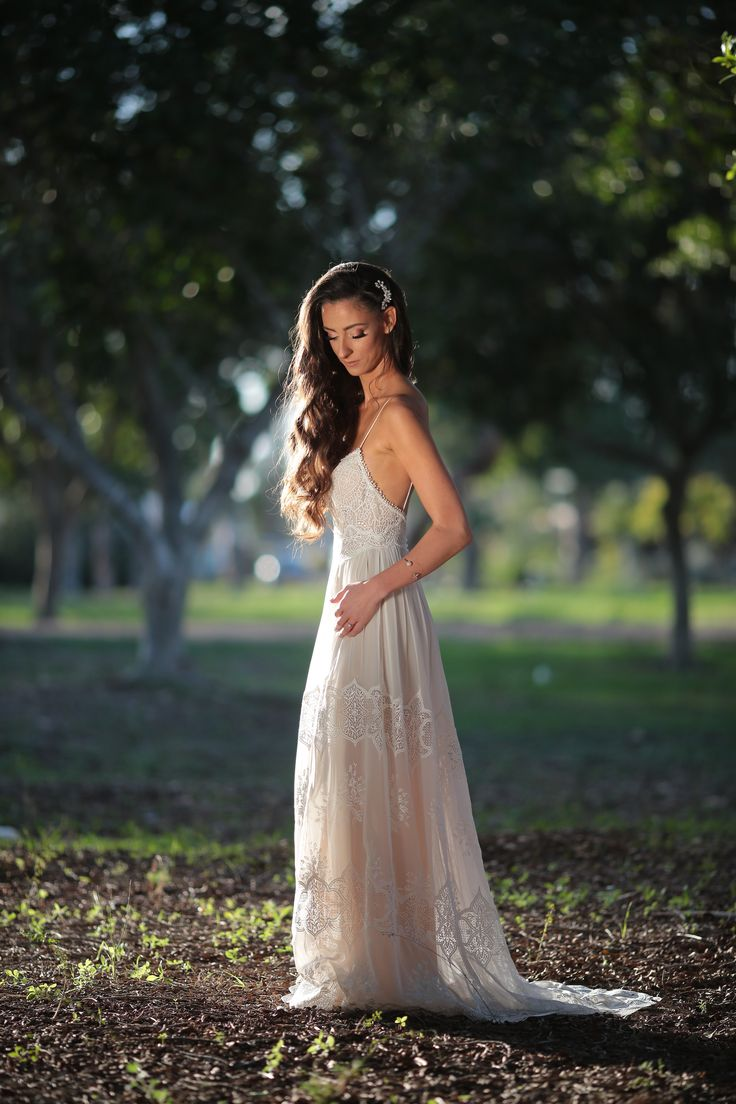 Boho Wedding dress | Lace | Open back |  | lace straps | flowing skirt | long train | Eva 2017 by FLORA |  real bride I happy moment