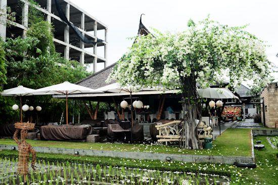 10 Places to eat in Seminyak Bali
