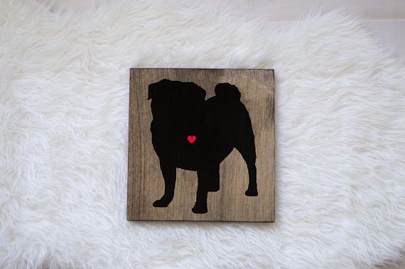Für Sie oder die Hundeliebhaber in Ihrem Leben! Zeigen Sie Ihren Stolz in der Mops-Zucht, durch die Anzeige dieser handgefertigten Silhouette in Ihrem Haus! Sie wählen die Farbe von Ihren Welpen Herz, indem Sie einfach die Farbe, die Sie möchten. Möchten Sie Ihrem Hund den Namen