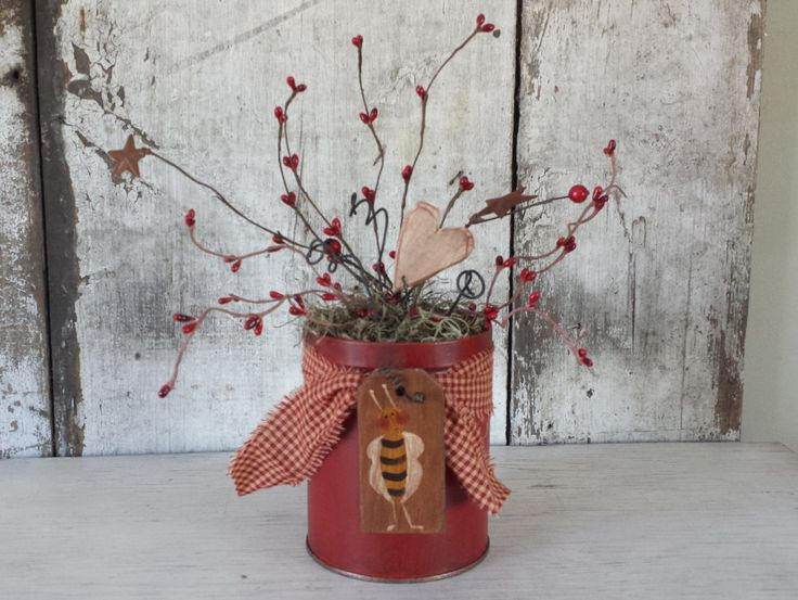 Primitive Country Bee TinValentinesRed DecorCountry BeeCountry Decor