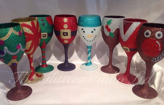 Get into the festive spirit with these beautiful Christmas glitter wine glasses. Each one is glittered in holographic glitter so it really sparkles! I can also personalise the rear of the glass with a name or message for no additional charge  Please note each glass is made to order and I have between a 2-3 week lead time. If you need your item by a certain date please specify this on your order so I can ensure its with you on time  *****WASHING INSTRUCTIONS***** Please do NOT put me in the…