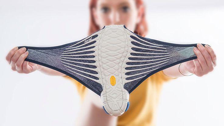 Фурошики — японское искусство складывания ткани для переноски предметов. Дизайнер Масая Хасимото пошла дальше и применила Furoshiki для ног.