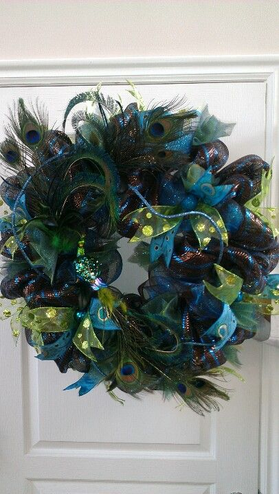 Deco Mesh Peacock Feather Wreath...