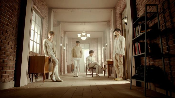 2AM One spring day MV - They are one of the best boy Band for me. I hope they have a comeback soon because I miss their powerful vocals..and ballad songs!