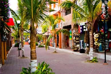 One of my favorite shopping areas in Zihuatanejo Mexico | ... zihuatanejo mexico
