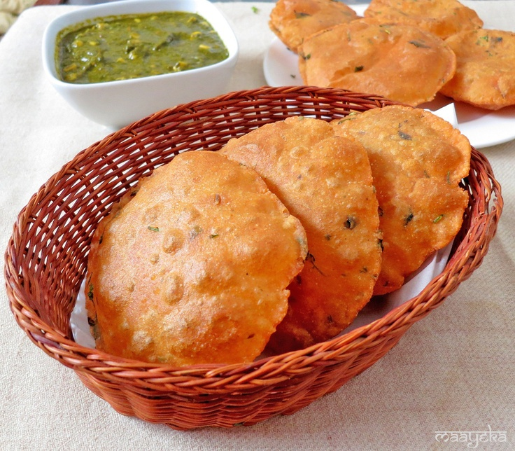 Tomato Poori -   Flavourful Pooris made with tomato puree and mint leaves
