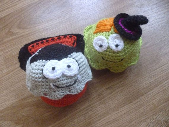 Crochet Halloween cupcake decoration Dracula by Mydayboutique