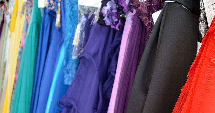 Koniec ťažkej dilemy pri výbere farby šiat. Ktoré farby vám pristanú?