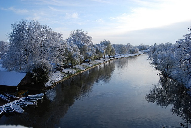 The River Avon running through St Nicholas Park, Warwick by enjoywarwickshire.com, via Flickr