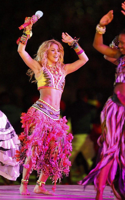 41 best Shakira :D images on Pinterest   Celebs, Shakira and Shakira ...