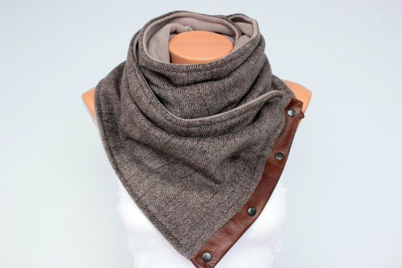 Chunky circular infinity unisex scarf ,men  NECKWARMER scarf  ,men scarf, scarf  with snaps on GENUINE LEATHER
