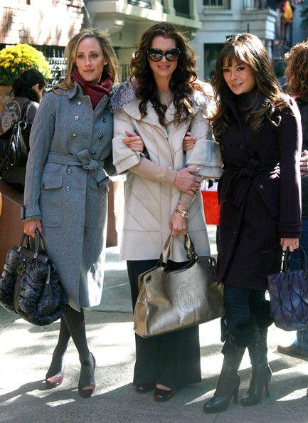 "Brooke Shields Kim Raver Photos: ""Lipstick Jungle"" on Madison Avenue"