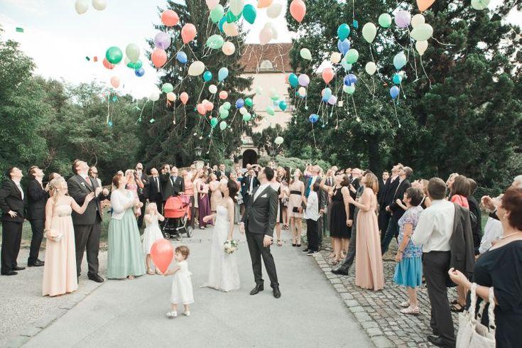 Loslassen Luftballons Hochzeit Obermayerhofen Osterreich