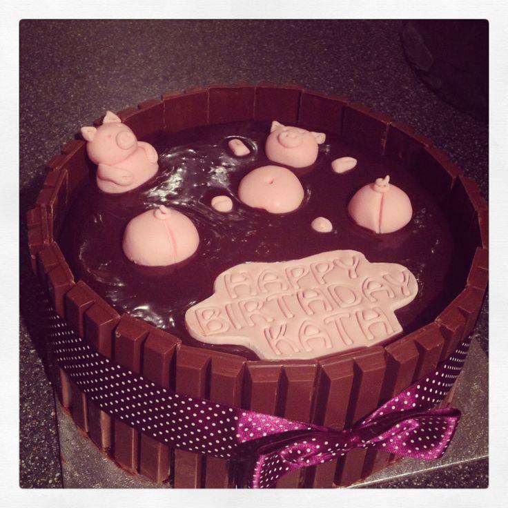Pig mud bath cake