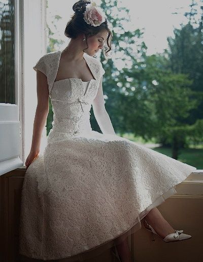 best 25 1920s wedding dresses ideas on pinterest 1920s vintage wedding dress 1920s wedding. Black Bedroom Furniture Sets. Home Design Ideas