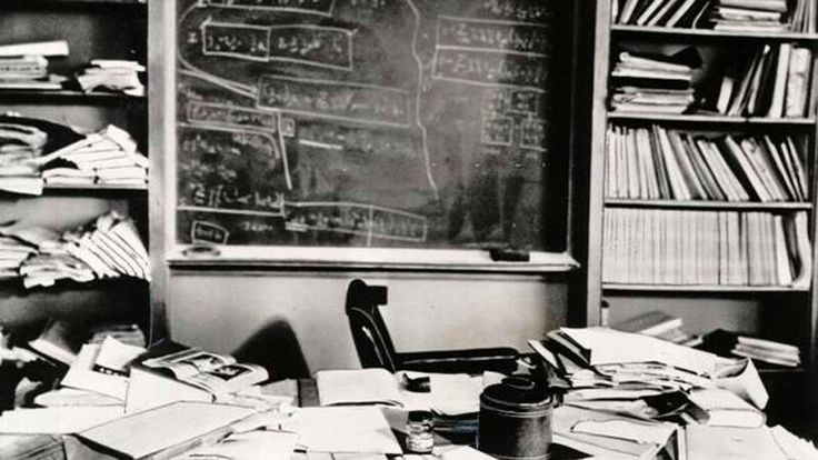 Einstein's desk hours after his death (unsubstantiated)