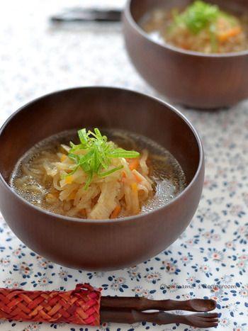"""具沢山で栄養バランスもGood!寒い季節は""""ご馳走スープ""""でお腹いっぱい ... 切り干し大根とにんじんの根菜類たっぷりでお腹に優しいスープです。ほんのり"""