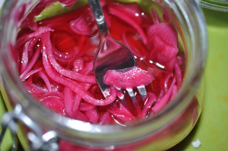Picklad rödlök syrad rödlök