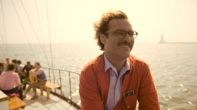 Her Review: Joaquin Phoenix Falls for His OS
