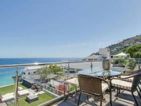 4 Bedroom House for sale in Clifton - Cape Town