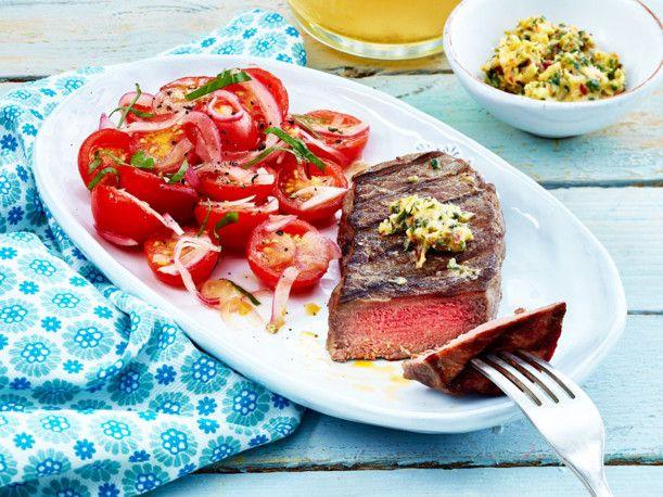 Unser beliebtes Rezept für Steak mit Kirschtomatensalat und mehr als 55.000 weitere kostenlose Rezepte auf LECKER.de.