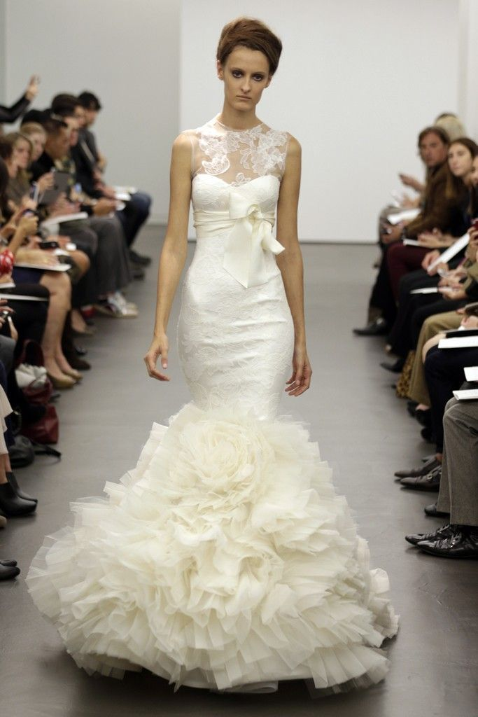 7 best vera wang wedding gowns images on pinterest vera for Vera wang rose wedding dress