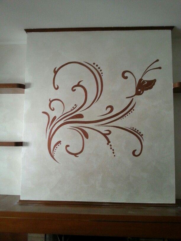 Disegno eseguito e decorato a mano